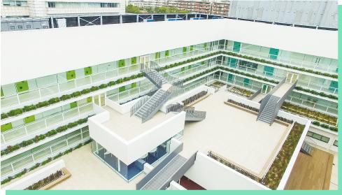 神戸学院大学附属高校 中庭